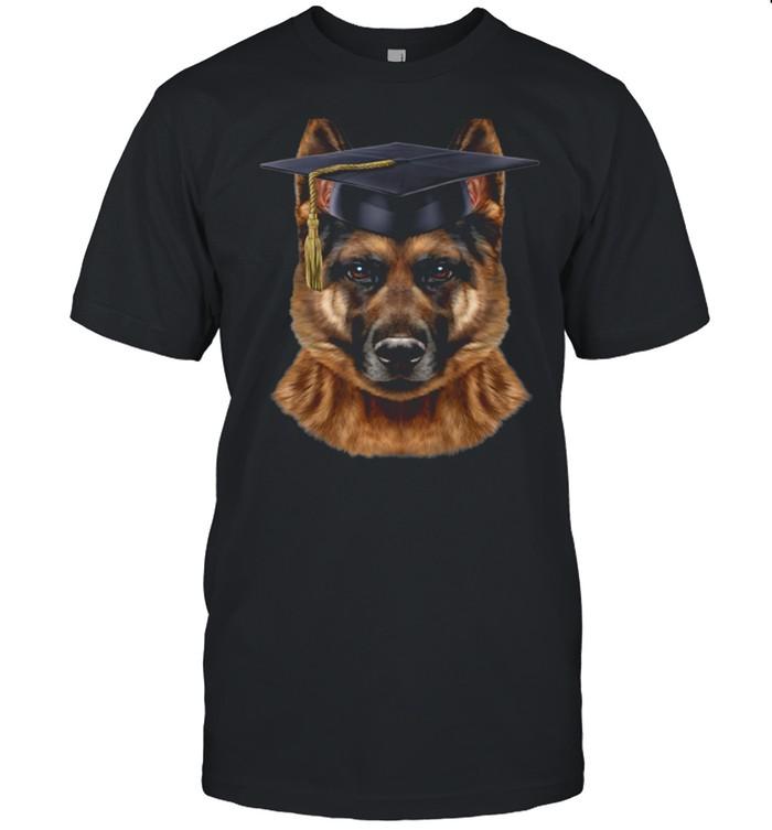 German Shepherd Dog wearing University Bachelor Cap shirt Classic Men's T-shirt