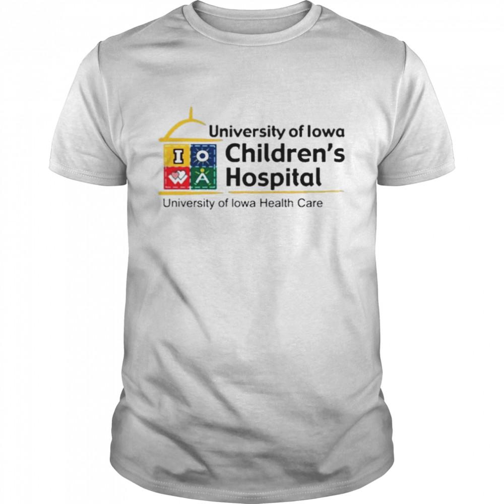 University of Iowa childrens hospital university of Iowa healthy care shirt Classic Men's T-shirt