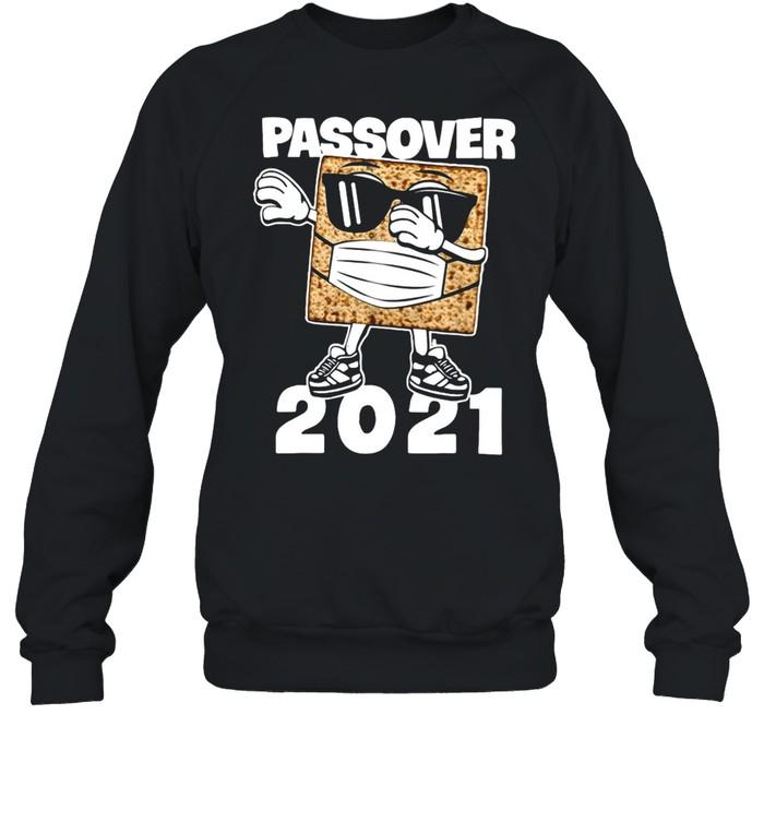 Passover 2021 Matzo Dabbing T-shirt Unisex Sweatshirt