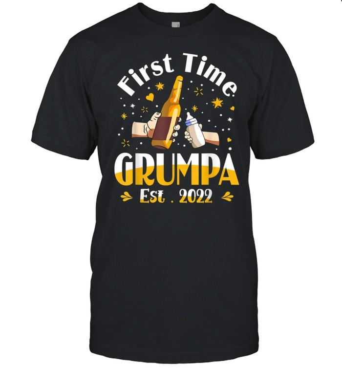 Mens Grumpa First Time Grumpa EST 2022 Father's day shirt Classic Men's T-shirt