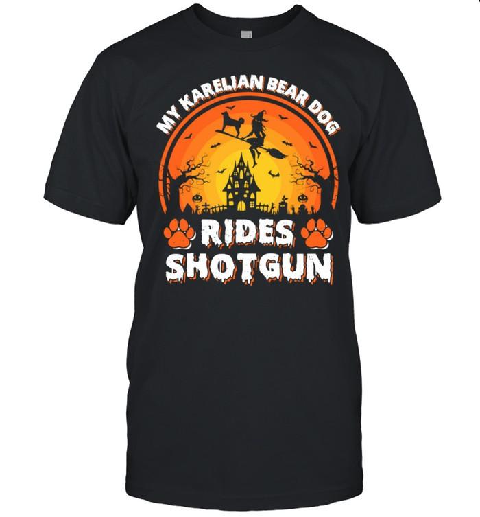 Vintage Retro My Karelian Bear Dog Rides Shotgun Halloween shirt Classic Men's T-shirt