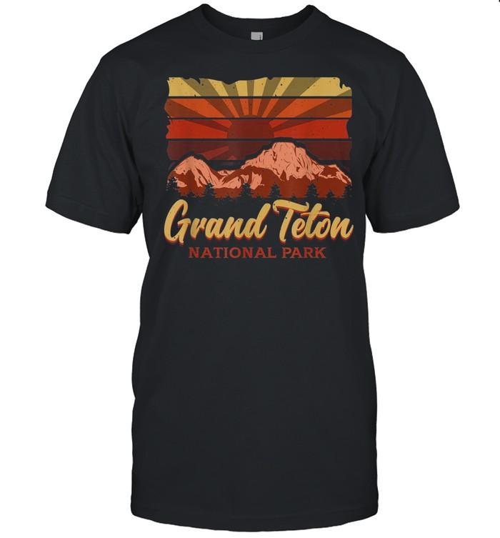 Vintage National Park  Grand Teton National Park shirt Classic Men's T-shirt