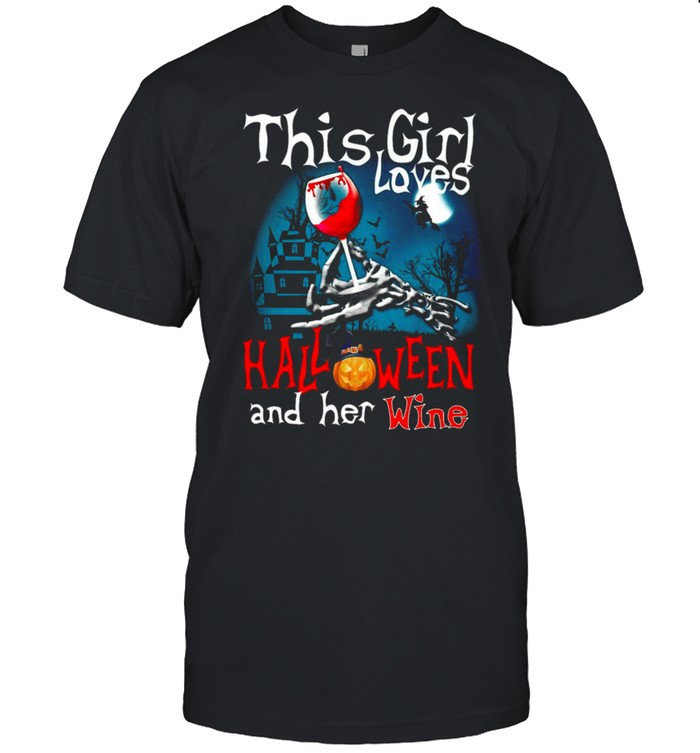 This Girl Loves Halloween And Her Wine  Classic Men's T-shirt