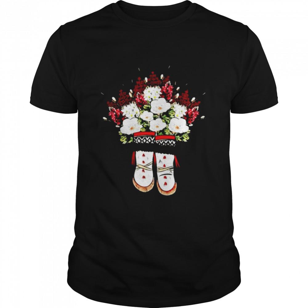 Yup'ik Boot flowers shirt Classic Men's T-shirt