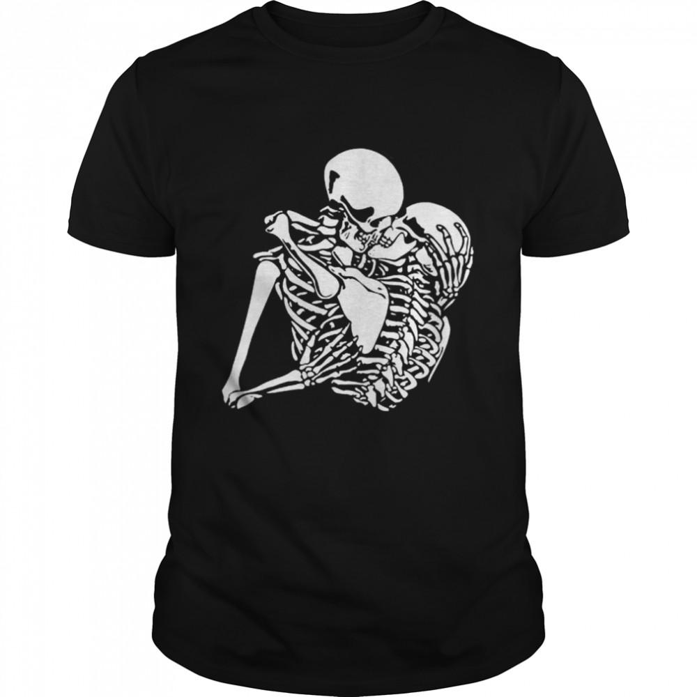 Kissing Skeleton Love,s Tarot Card, Vintage Halloween  Classic Men's T-shirt